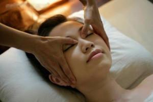 массаж лица в салоне