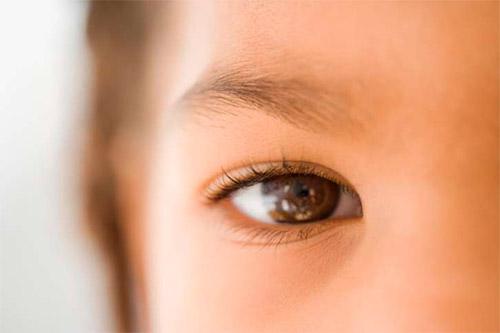 глаз крупно