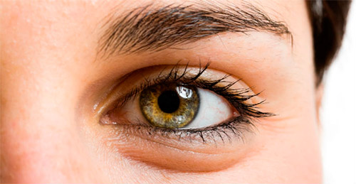 глаз крупным планом
