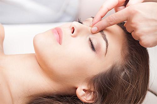техника точечного массажа лица