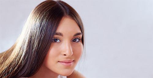 лицо молодой девушки