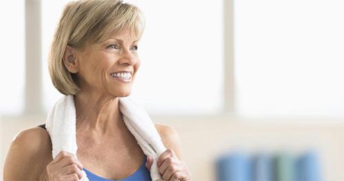 Как подтянуть увядающую кожу в области шеи и декольте?
